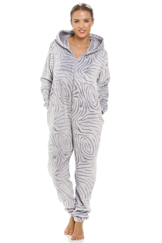 Camille - Damen Schlafanzug-Einteiler mit Kapuze - extra weiches Fleece-Material - Zebra-Muster