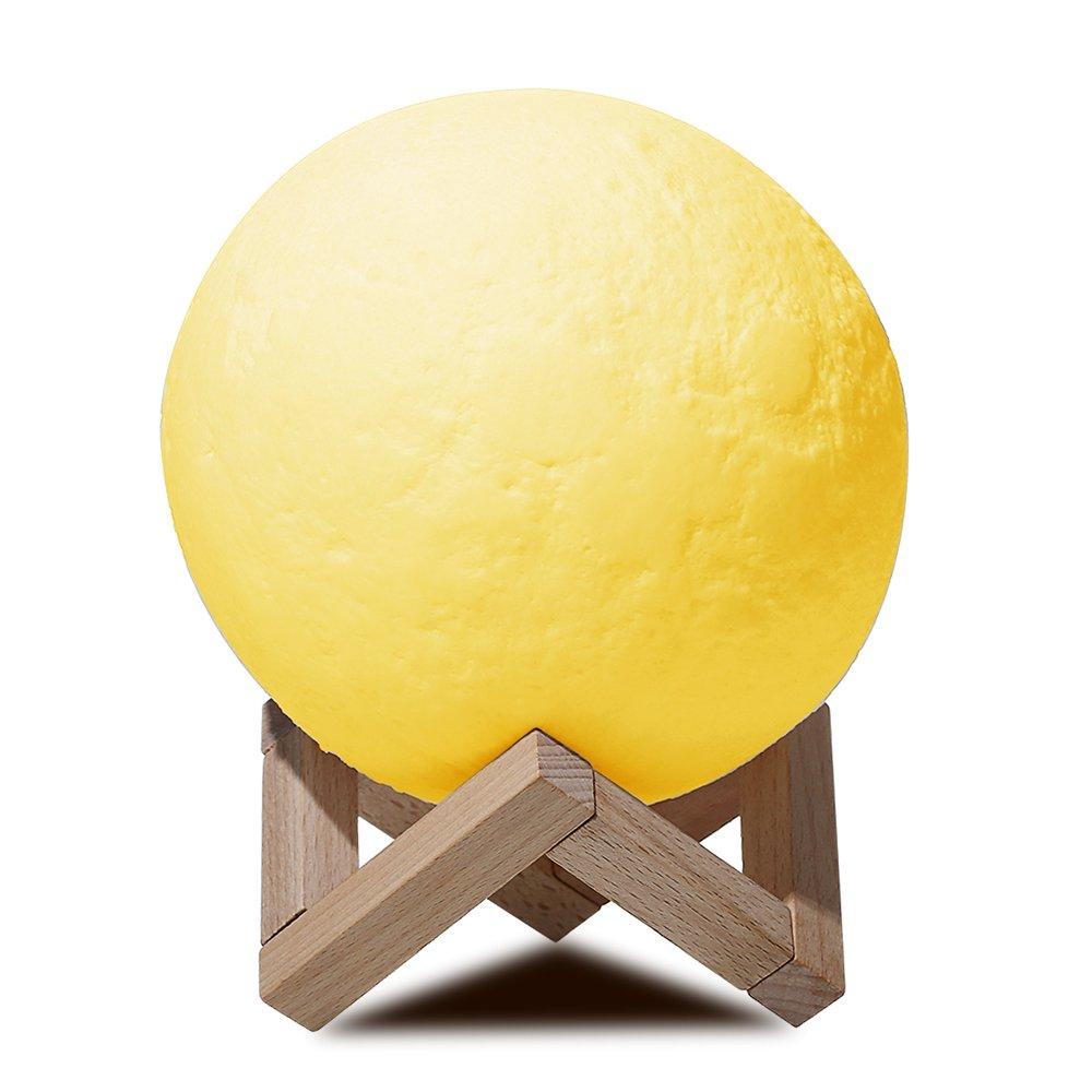 NEWKBO Mond Lampe Nachtlampe, 500mAh 3D Nachtlicht Nachttischlampe Stimmungslicht LED Licht, USB-Laden Tischleuchte Mondschein Lampe mit Holzständer Stimmung Licht für Schlafzimmer Cafe Bar Esszimmer 18cm