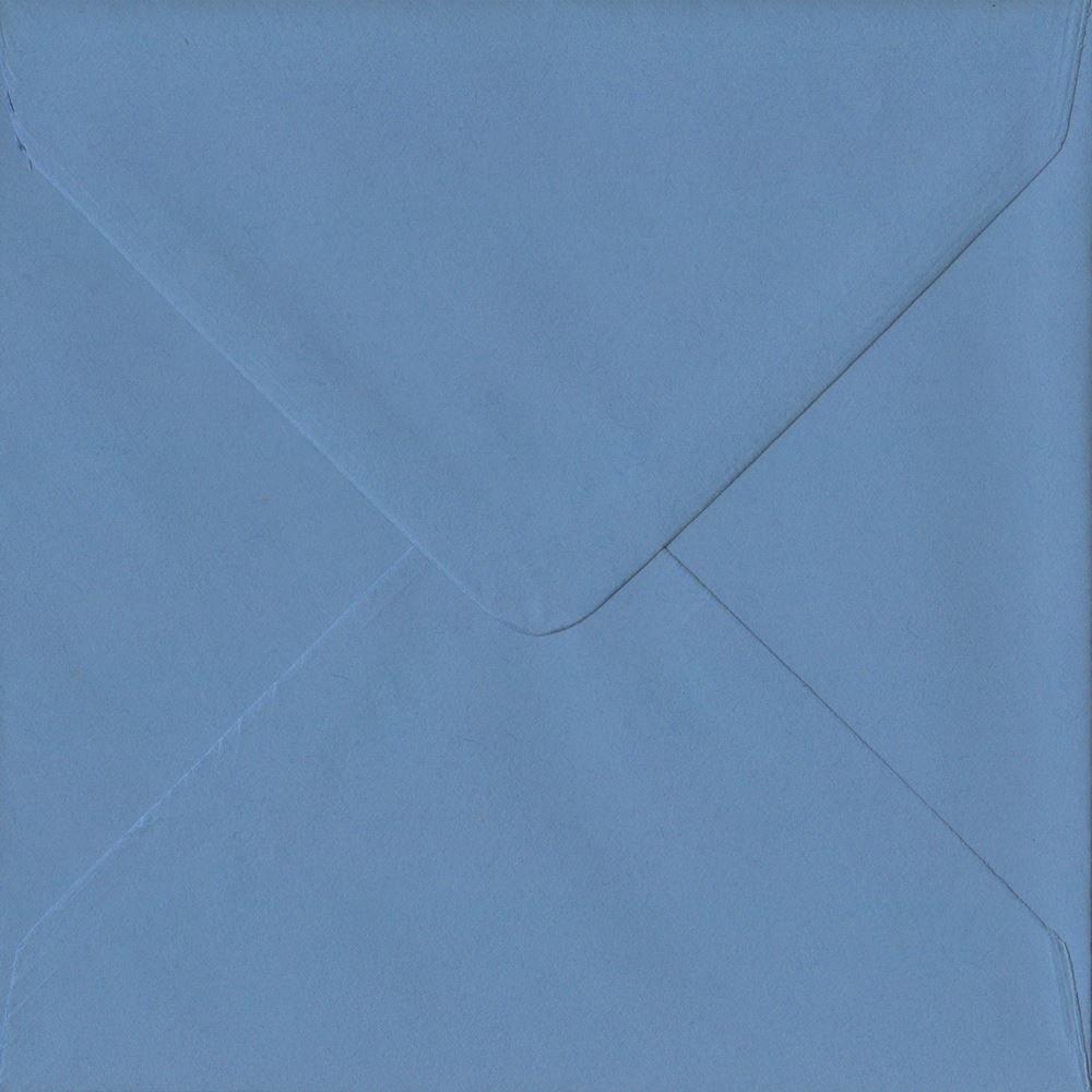 Paquete de 100 sobres de mm color azul francés de 155 mm x 155 mm de engomados 135 g/m² de lujo. GF Smith Colorplan Papel 0077e5