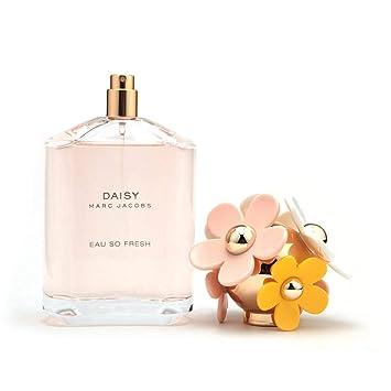 5c42068351b8 Amazon.com   Marc Jacobs Daisy Eau So Fresh Eau de Toilette Spray-125ml 4.25  oz.   Eau De Parfums   Beauty