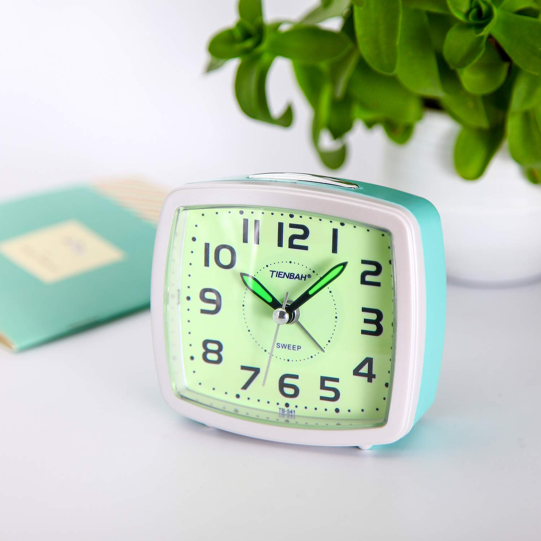 Amazon.com: Juboos - Reloj despertador analógico silencioso ...