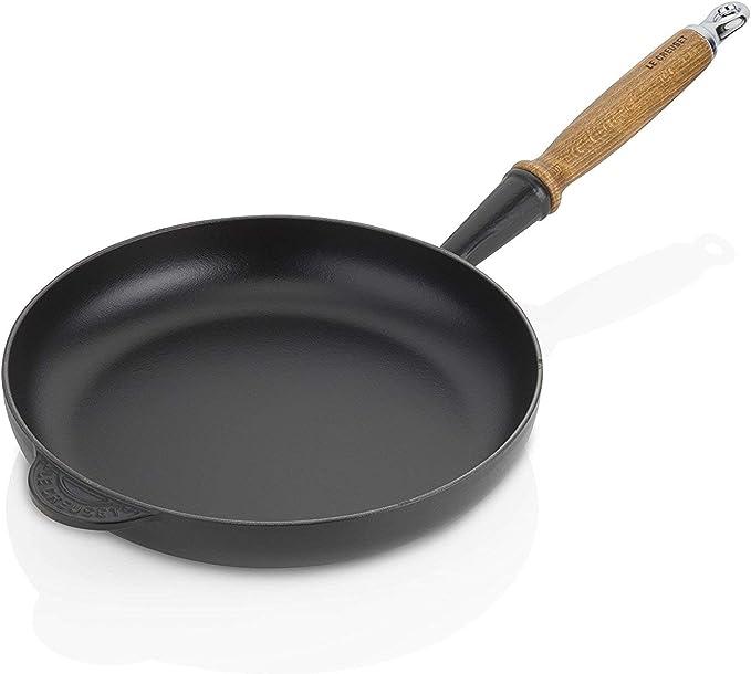 Le Creuset Cast Iron Frying Pan with Wooden Handle, 28 cm: Amazon.de: Küche & Haushalt