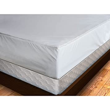 Amazon Com Premium Bed Bug Proof Mattress Cover King Home Kitchen