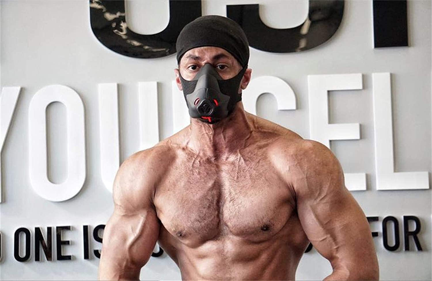 Sport Workout Training Mask Hypoxic Breathing Resistance Mask Fitness Running Mask Endurance Mask Achieve High Altitude Elevation Effects with 3 Level Air Flow Regulator (I)