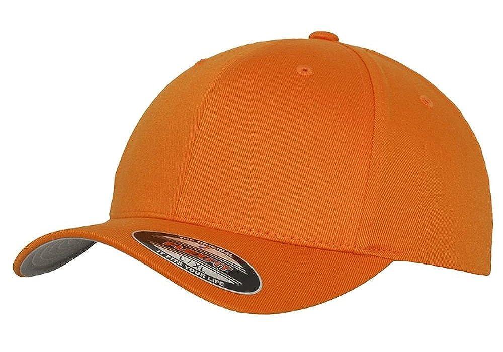 Amazon.com  2010-17 Dodge Ram Pickup Truck Classic Outline Design Flexfit hat  cap  Clothing 2e71a173133c