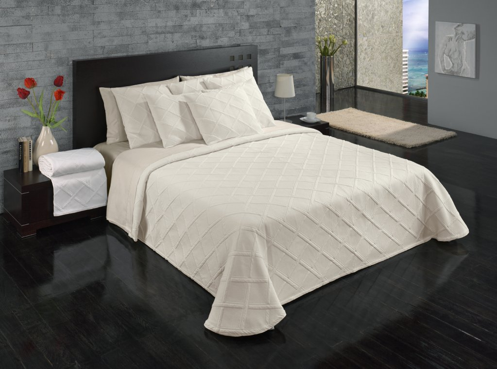 Europa Fine Linens Evora Matelasse Bedding Coverlet Full//Queen Size 84-Inch by 96-Inch Ivory 8309