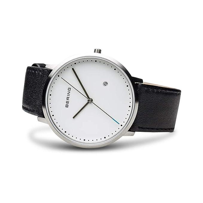 0baeca80958e Bering Classic - Reloj analógico de caballero de cuarzo con correa de piel  negra - sumergible a 50 metros  Amazon.es  Relojes