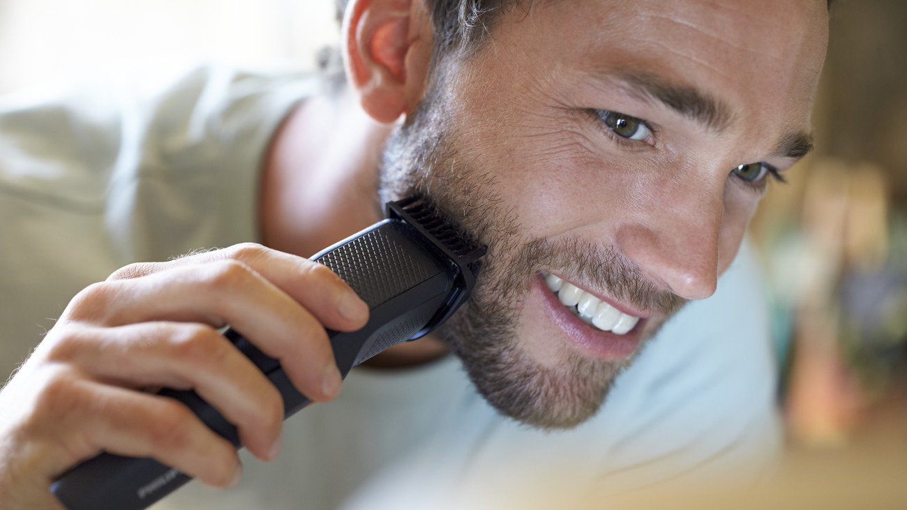 Philips Norelco Beard Trimmer BT3210/41 - cordless grooming,  rechargable, adjustable length, beard, stubble, and mustache by Philips Norelco (Image #5)