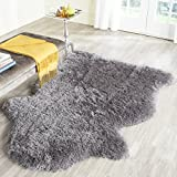 Safavieh Arctic Shag Collection SG270G Handmade Grey Polyester Area Rug (3′ x 5′) For Sale