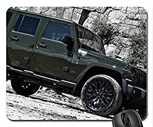 JEEP WRANGLER CLUMBING AT THE MOUNTAINS Mouse Pad, Mousepad