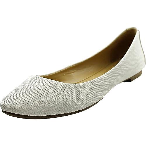 d96610f5c1e41 Amazon.com | Alfani Womens Gessey Closed Toe Slide Flats | Shoes