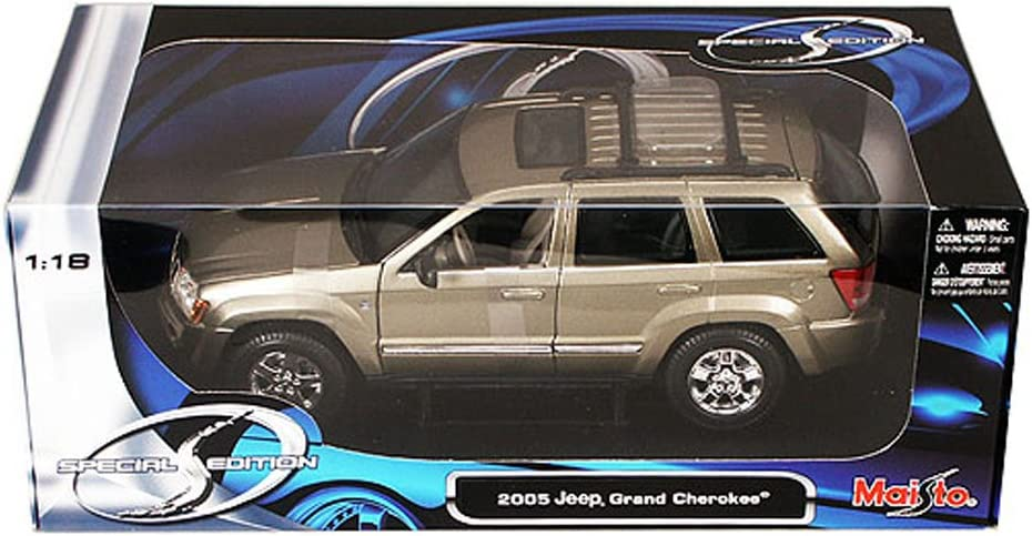2011 JEEP GRAND CHEROKEE WHITE 1//24 DIECAST CAR MODEL BY MAISTO 31205