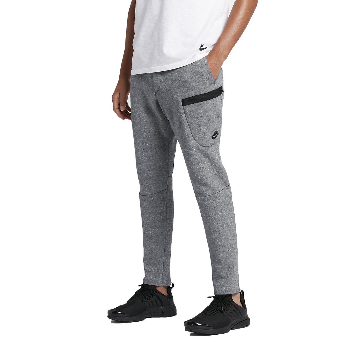 09a112f4882ccc Nike Jogginghose Sport Trainingshose Tech Fleece Gr 2XL 805219 091 Grau   Amazon.de  Bekleidung