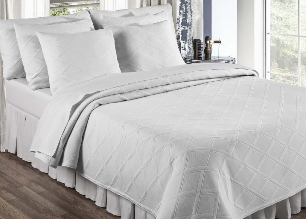 Amazon.com: Europa Fine Linens Evora Matelasse Bedding, Coverlet King Size  96 Inch By 102 Inch, White: Home U0026 Kitchen