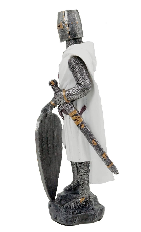 Dise/ño de cruz blanca en la armadura de se basa en el escudo