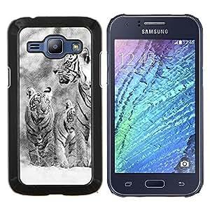 KLONGSHOP // Cubierta de piel con cierre a presión Shell trasero duro de goma Protección Caso - Nieve Tiger invierno Navidad Naturaleza - Samsung Galaxy J1 J100 //