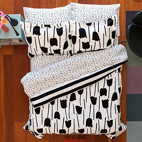 NEW! Aéropostale Floral/Tulips 5-Piece Twin/Twin Xl Size Teens Reversible Comforter Set in Black Made of 100% Polyester