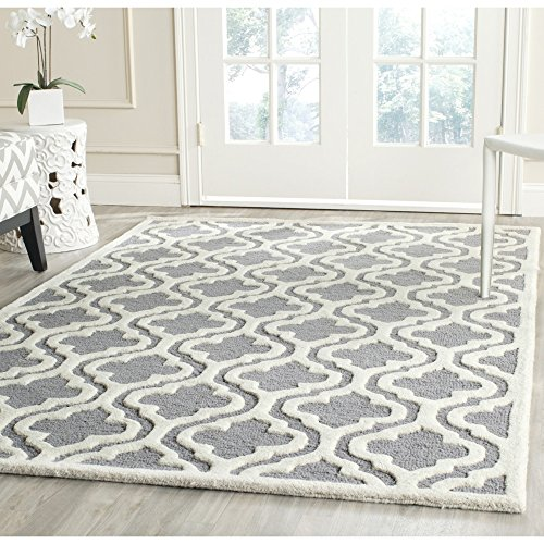 Safavieh Cambridge Collection CAM132D Handmade Moroccan Geometric Silver and Ivory Premium Wool Area Rug (5' x 8') (Gray Wool Rug)