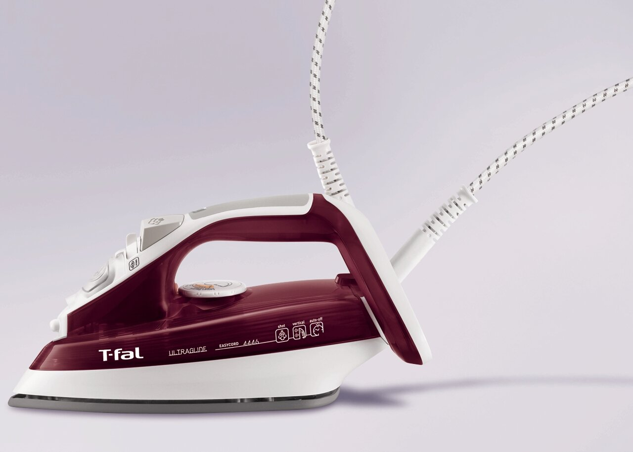 T-fal FV4446 Ultraglide Easycord Steam Iron Ceramic Scratch Resistant Non-Stick Soleplate with Auto-Off, 1700-Watt, Red Groupe SEB 2820444601