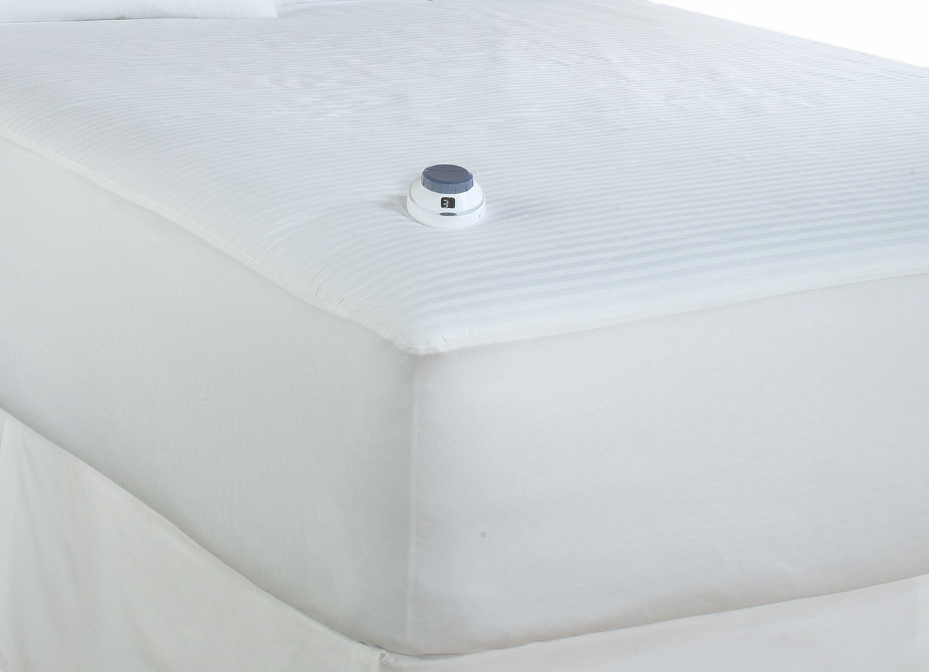 Serta 233-Thread Count Waterproof Low-Voltage Electric Heated Full Mattress Pad, White by Serta