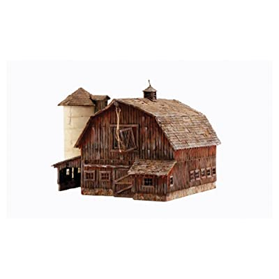 Woodland Scenics 4932 N Built-Up Old Weathered Barn: Toys & Games