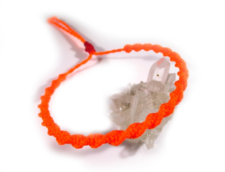 Bracelet br/ésilien//amiti/é//surf//unisexe//en fil orange fluo tiss/é//tress/é main en macram/é avec du fil cir/é forme spirale et ajustable R/éf.PS393