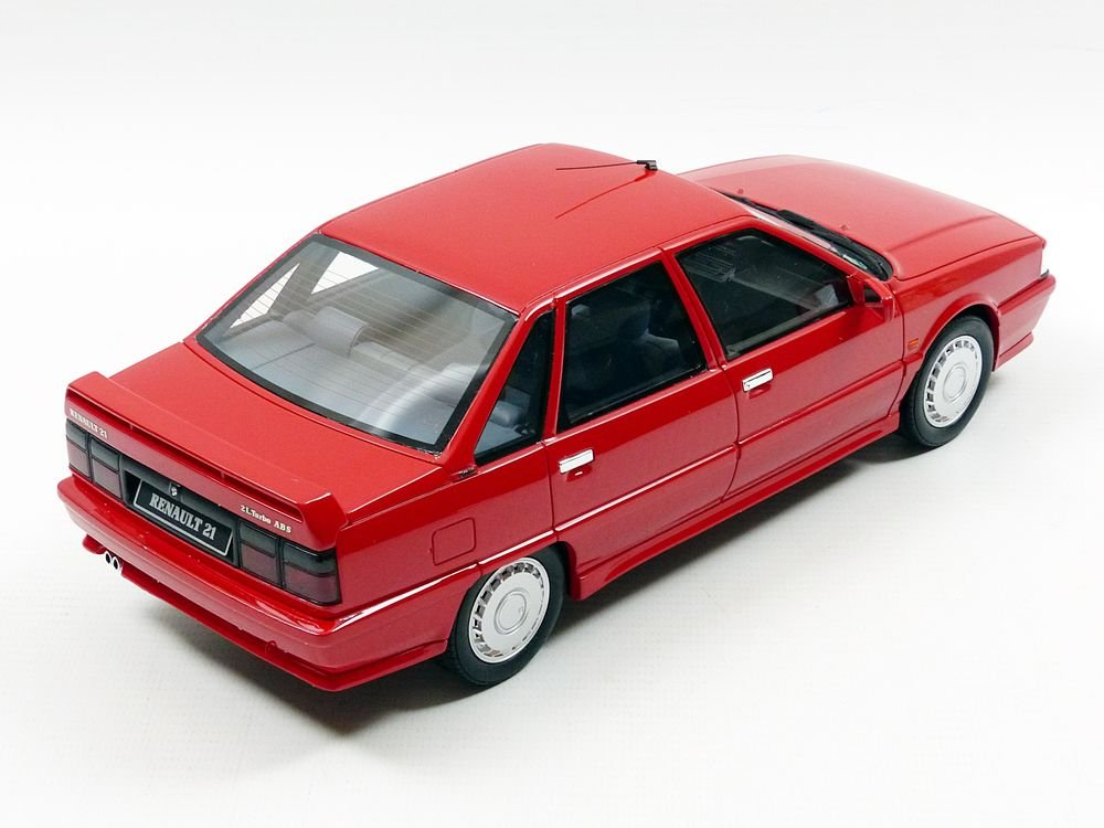 Otto Mobile ot707 Renault r21 2L Turbo Phase 1 - 1988 (escala 1/18, rojo: Amazon.es: Juguetes y juegos