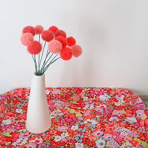 Coral Pom Pom Flowers. Felt flowers. Modern Bouquet. Faux Flowers. Craspedia, billy buttons. Yarn Pompoms. Peach Floral Small Bouquet. (Vases Flower Yarn)