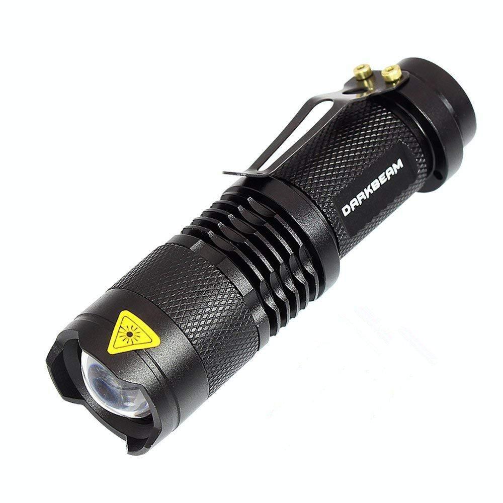 Darkbeam SK68 Fokus verstellbar rot Licht Handheld Taschenlampen Tragbare Mini-LED Taschenlampe TACTICAL Taschenlampe mit Clip geeignet für Jagd, SOS