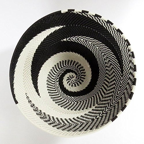 - African Zulu woven telephone wire bowl – Medium round - Black and white - Gift from Africa