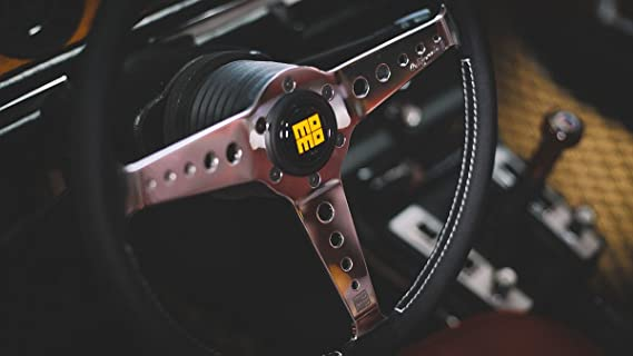 MoMo MOMVCALIFOR36BK Volante Kalifornien Blk 350