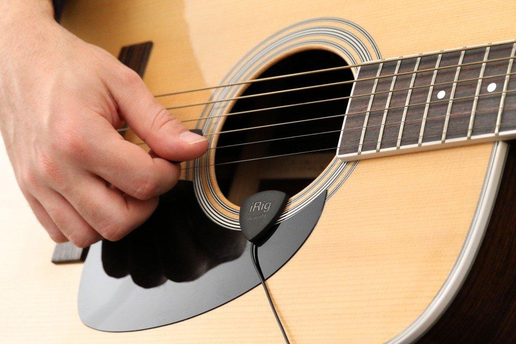 Amazon.com: IK Multimedia iRig Acoustic acoustic guitar microphone ...