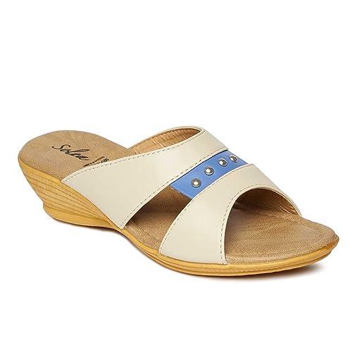 5977c55b900 PARAGON SOLEA Plus Women s Beige Flip-Flops  Buy Online at Low Prices in  India - Amazon.in