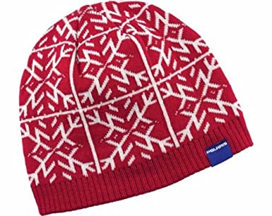 Amazon.com  Polaris Snowflake Red and White Women s Winter Hat ... c743f5f435d
