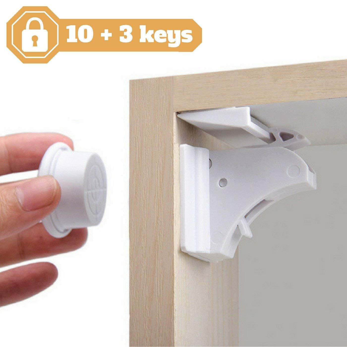 [10 Cerraduras + 3 llaves + BONUS] para armarios y cajones para bebés y niños con NODI - ALTA CALIDAD - Bloqueo totalmente invisible - Instalación fácil y rápida en todos sus muebles - Fácil de usar - 3M adhesivos ultra resistentes - BONUS Guía de instalac