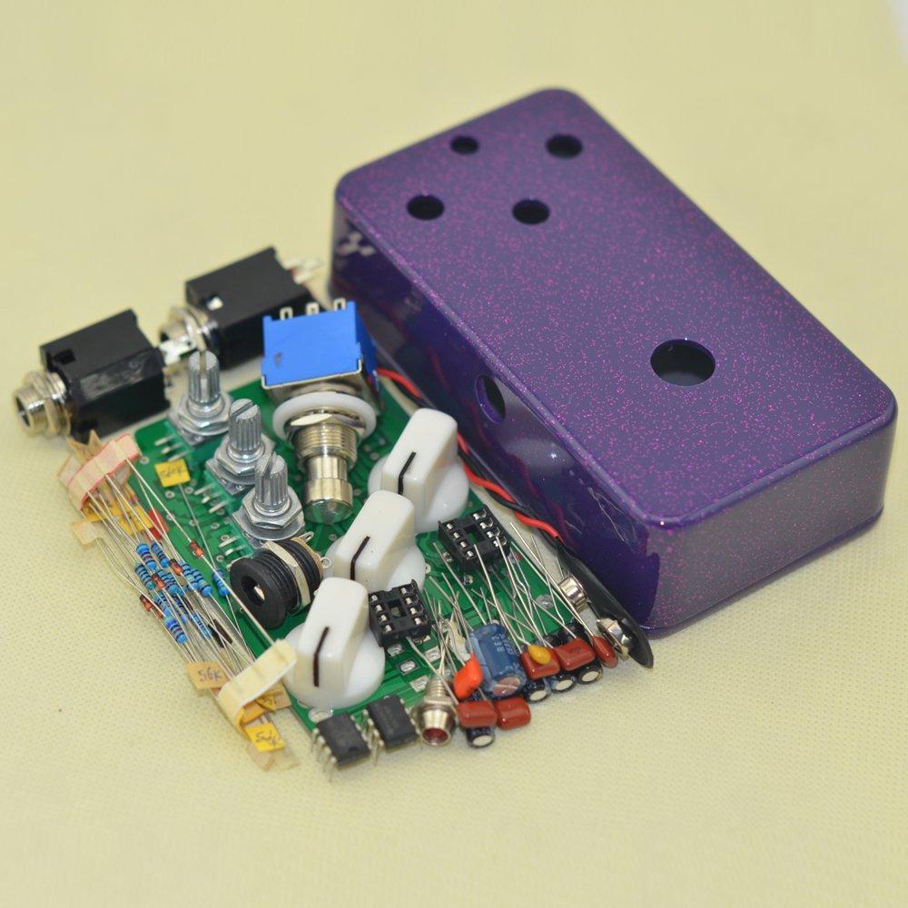 Amazon.com: DIY Fuzz Pedal Kits with 1590B Diecast Aluminum Enclosure Flash Purple: Musical Instruments