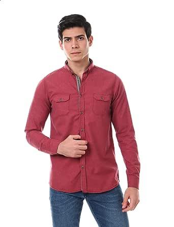 قميص سادة بياقة مثبتة بازرار من الاسفل واكمام طويلة مع جيوب امامية بصف ازرار مختلف اللون للرجال من اندورا