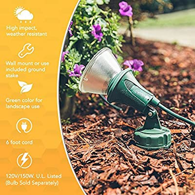 Woods Outdoor Floodlight Fixture with Stake (6-Feet Cord, 120V, Green)