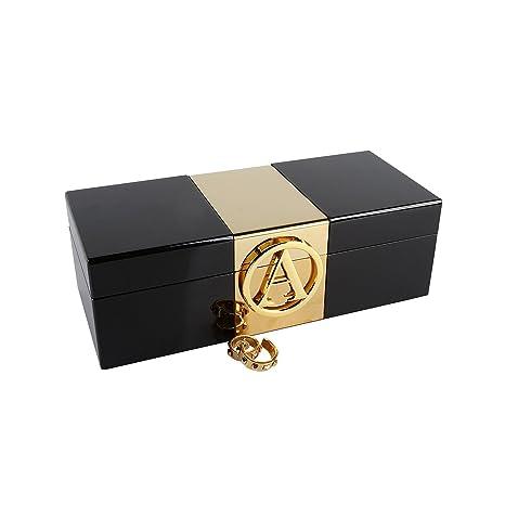 Una caja de joyería con un bonito lacado inicial personalizado accesorios joyería de madera de alto