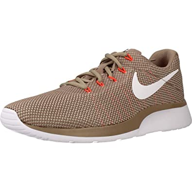 watch db0de 19a30 Nike Tanjun Racer, Chaussures de Fitness Homme, Multicolore (Desert  Sand White