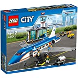 Lego City Airport Terminal and the airliner 60104