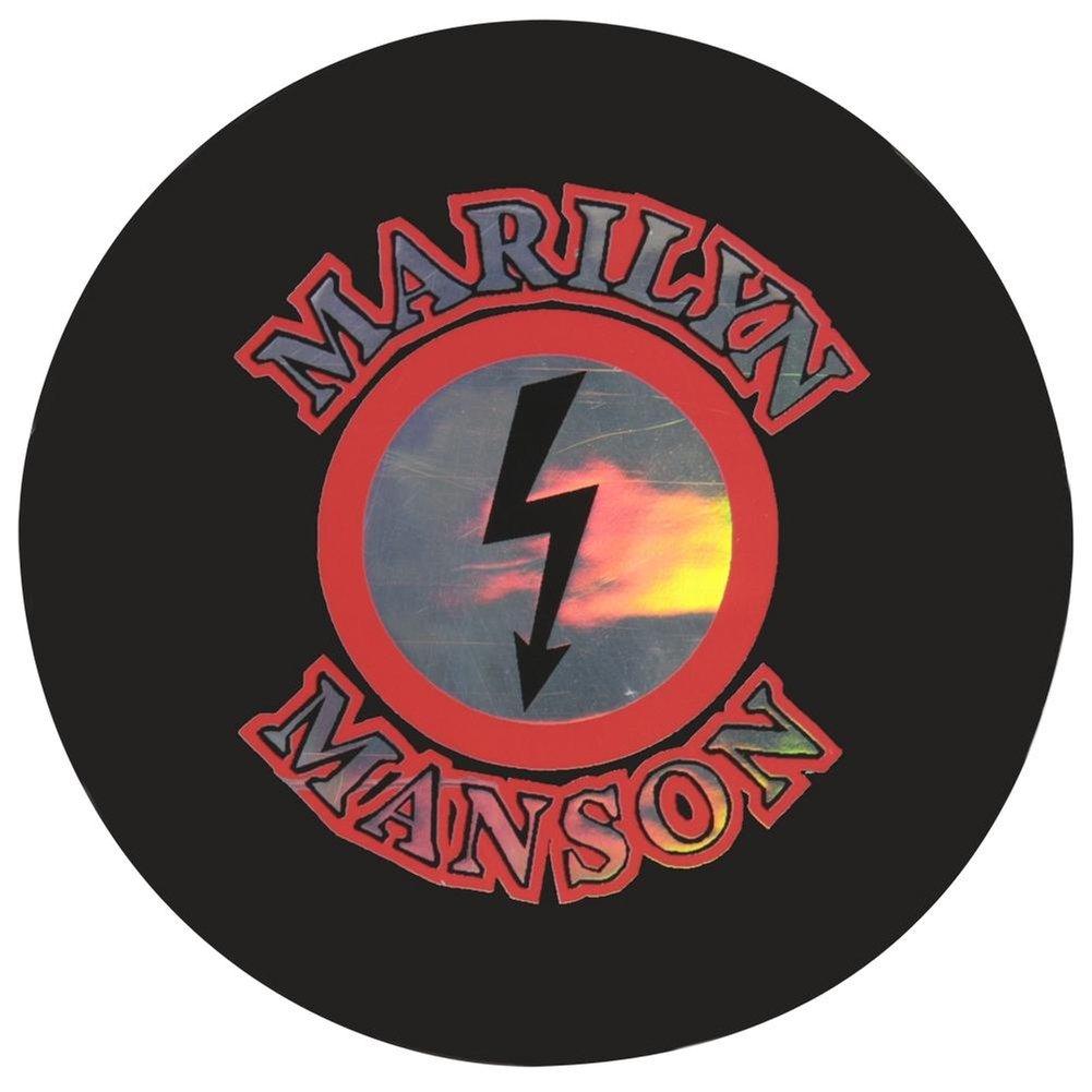 MARILYN MANSON – reflektierendes Logo Aufkleber: Amazon.de: Auto