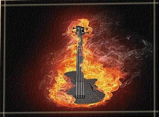 SHUHUI Hermosa Guitarra quemada por una Llama Amarilla sobre Fondo ...