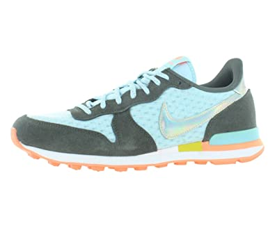 huge selection of 9fd2b 19d24 Amazon.com   NIKE Internationalist Premium Women s Shoes Size 5   Flats
