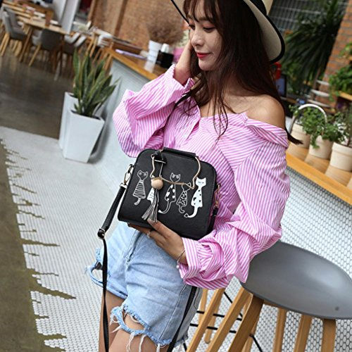 7bae519cacce Amazon.com  Leegor Women Cat Pattern Tassel Crossbody Bag Shoulder Bag  Handbags Messenger Bag (Black)  Clothing
