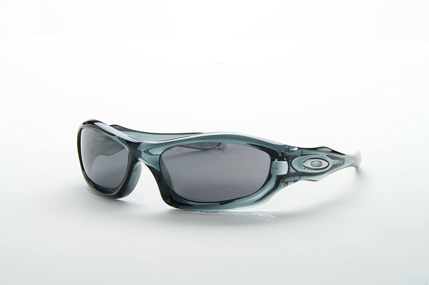 5718db2a2b New Oakley OO 9028 MONSTER DOG 05 012 Black Men Women Plastic Sunglasses   Amazon.co.uk  Sports   Outdoors