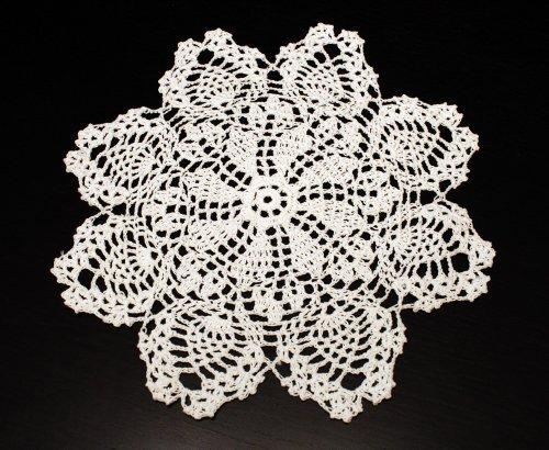 Fennco Styles Handmade Crochet Lace Pineapple White Doily. 12 Inch Round. 100% Cotton. 4 -