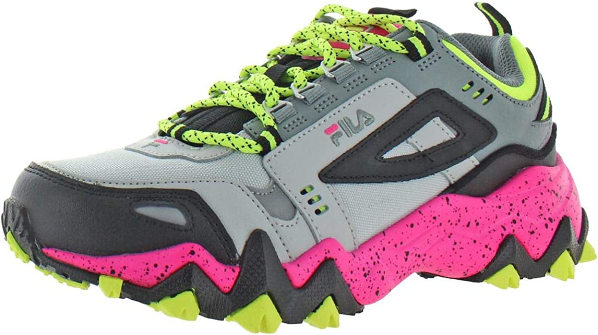 Fila Women s Oakmont Leather Retro-Inspired Chunky Athletic Hiking Trail Sneaker