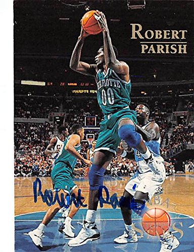 - Robert Parish autographed basketball card (Charlotte Hornets Hall of Famer) 1996 Topps Stars #134