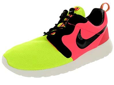 new product 0cb13 1c418 Nike Mens Rosherun Hyp Prm Qs VoltBlackHyper Punch Running Shoe 9.5 Men